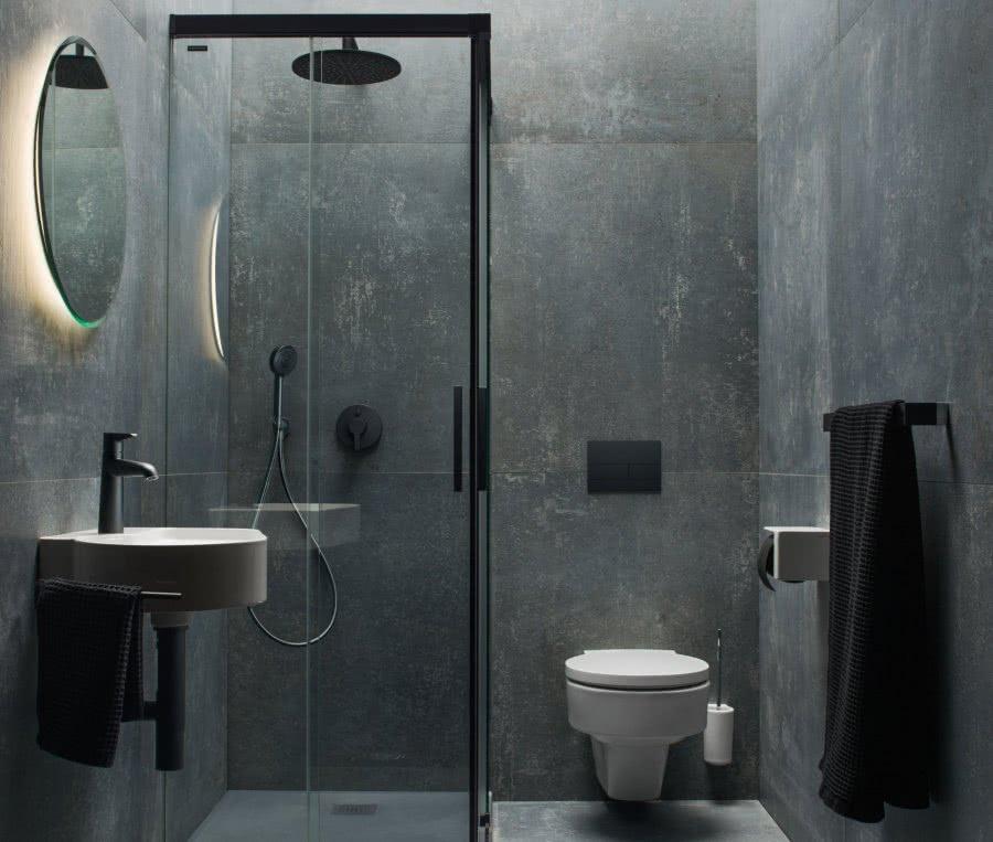 Das Runde muss ins Eckige Regendusche WC Waschtisch Lichtspiegel Inspiration BadeWelten